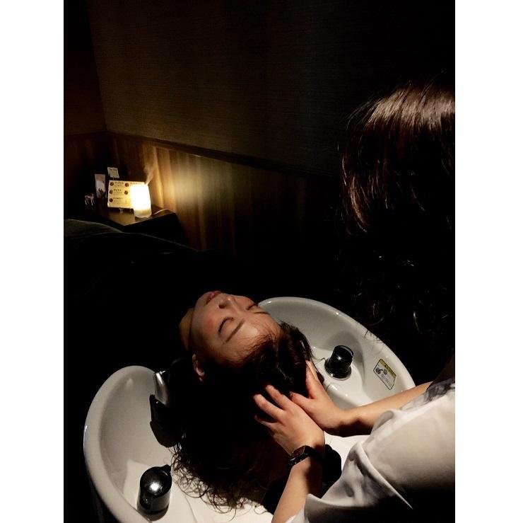 """【ヘッドスパがおすすめ!】髪と頭皮のケアが""""真の美""""への第一歩。贅沢個室で至福の一時を…"""