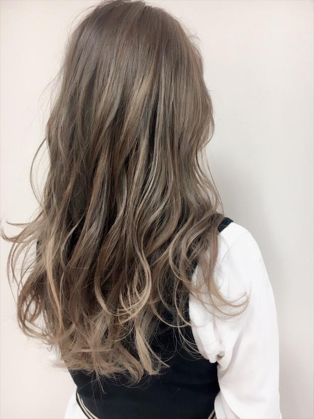 【人気NO.1!サプリカラー】お客様の雰囲気に合わせたカラーが大評判!ダメージをしっかり予防して、美しく潤いのある髪へ導きます。