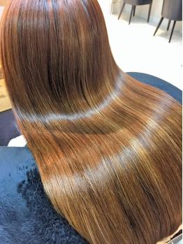 大人気★【フッ素トリートメント】で髪を内部から補修し毛先までコーティング!!驚くほどの指通りを実現☆