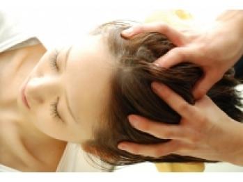 話題のヘッドスパで頭皮から潤う素髪美人に…☆最高級Aujuaスパor炭酸スパで極上の癒しとケアをGET♪