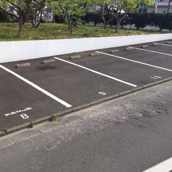 敷地内14台完備☆駐車場