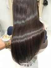 【髪質改善】ピンとなり過ぎない、毛先まで自然なストレートを実現!指通りの良い艶髪に導きます♪