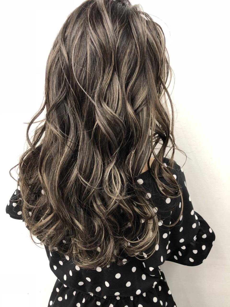 「最近髪が細くなってきた」「ボリュームが減ってきた」今も未来も美しく!エイジングヘッドスパ始めました